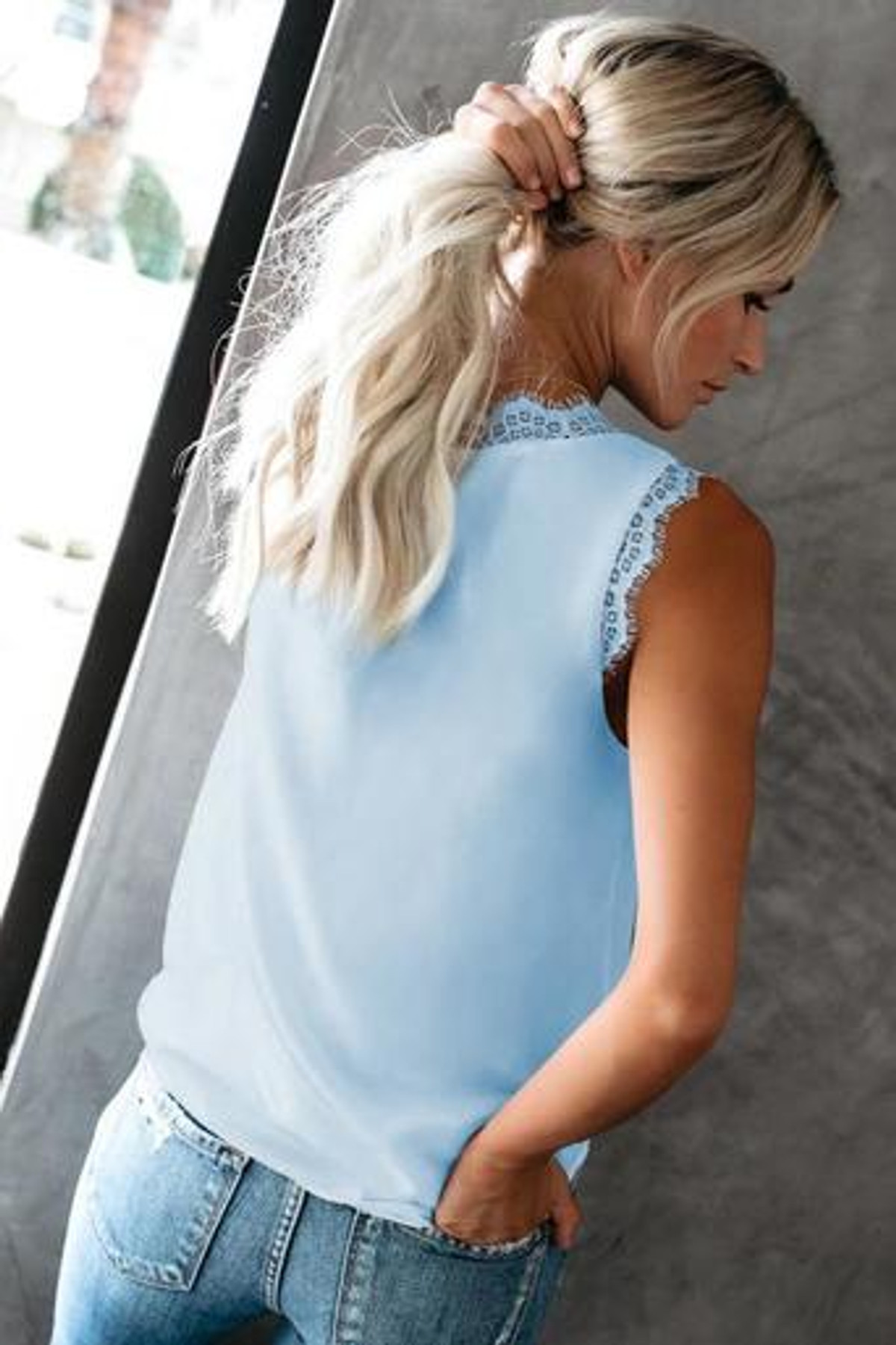 Sleeveless Eyelash Lace V Neck Tank Top FRE253064-4
