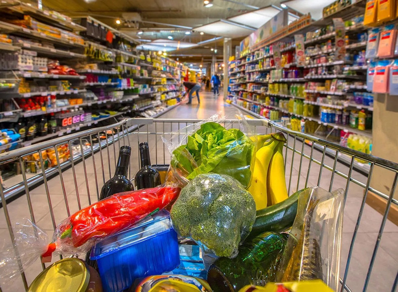 16 Tips to Save Money on Groceries & Household Items