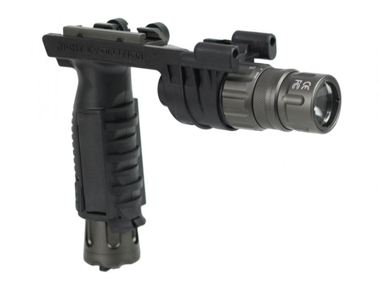 Bravo Tactical Airsoft V2 LED Weapon Flashlight Foregrip 220 Lumens Dark Earth