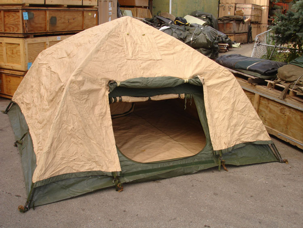 U S  Armed Forces Soldier Crew Tent