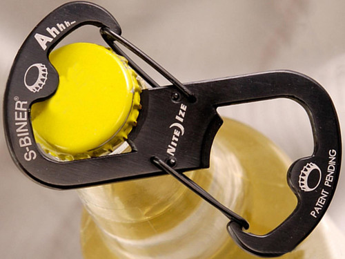 Nite Ize Ahhh S-Biner Stainless Steel Bottle Opener Carabiner (Color: Black)