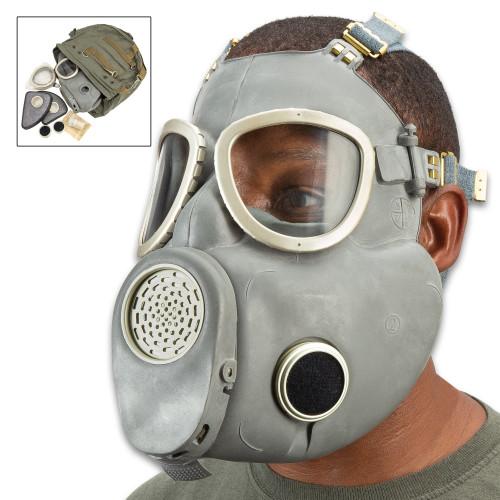 """Polish MP4 """"Bulldog"""" Gas Mask No Bag - Like New"""