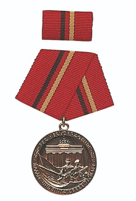 DDR Bronze Verdienste Der Kampfgruppen Medal