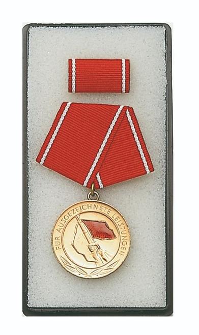 East German Ausgezeichnete Leistungen Der Kampfgruppen Medal
