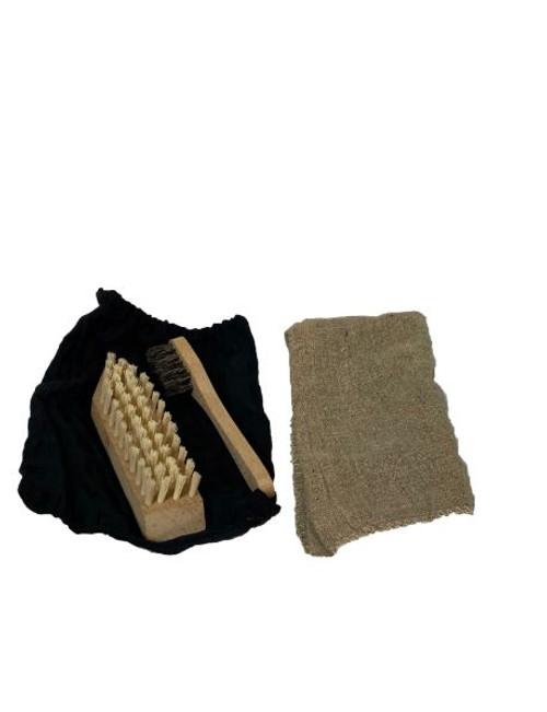 Polish Shoe Cleaning Kit w/Bag