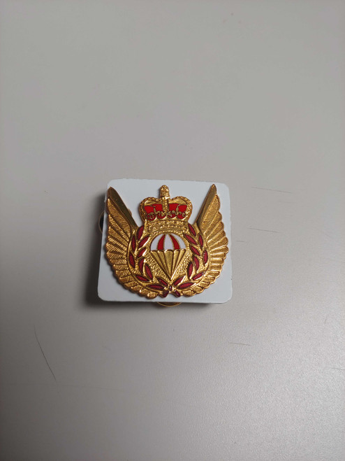 Canadian Armed Forces Cap Badge - Para-Rescue