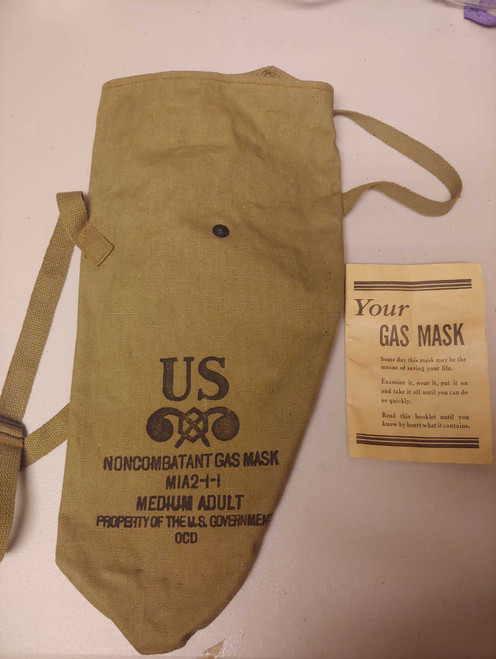 U.S. Military M1A2 Non-Combatant Gas Mask Carry Bag w/ Instructions