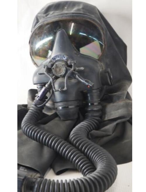 Canadian Air Force N&Z Aviation Pilot Gas Mask w/ Transit Case