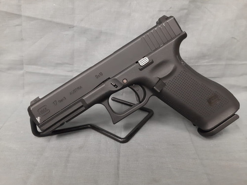 Elite Force Fully Licensed GLOCK 17 Gen.5 Gas Blowback Airsoft Pistol (Type: Green Gas) - USED