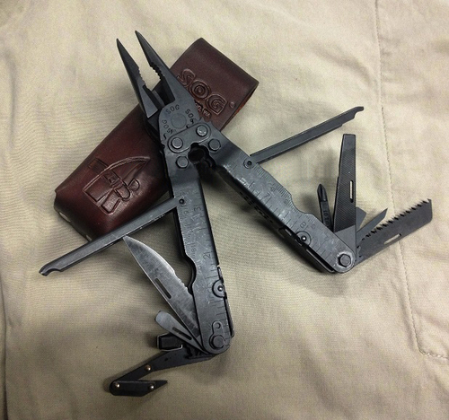 SOG Multitool Powerlock B62L Leather Sheath