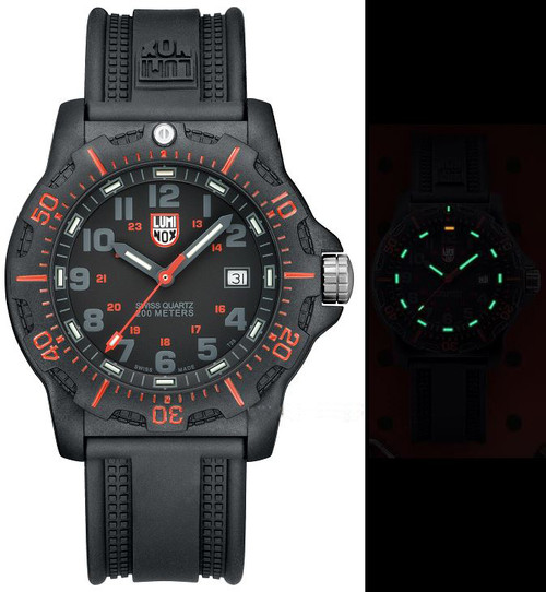 Luminox Land A.8815 Black Ops Carbon Series