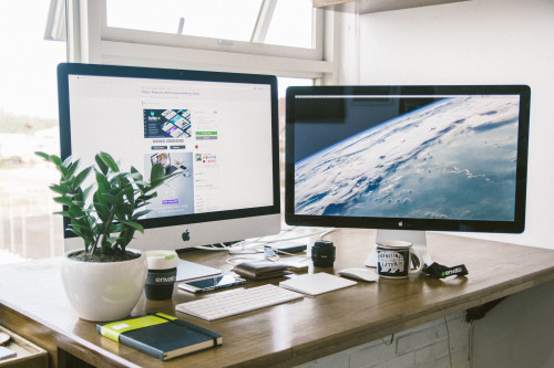 Will a Second Computer Monitor Make Your Life Easier?