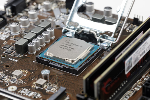 The Generations of Intel CPUs: Intel 4th Generation i7 to Now