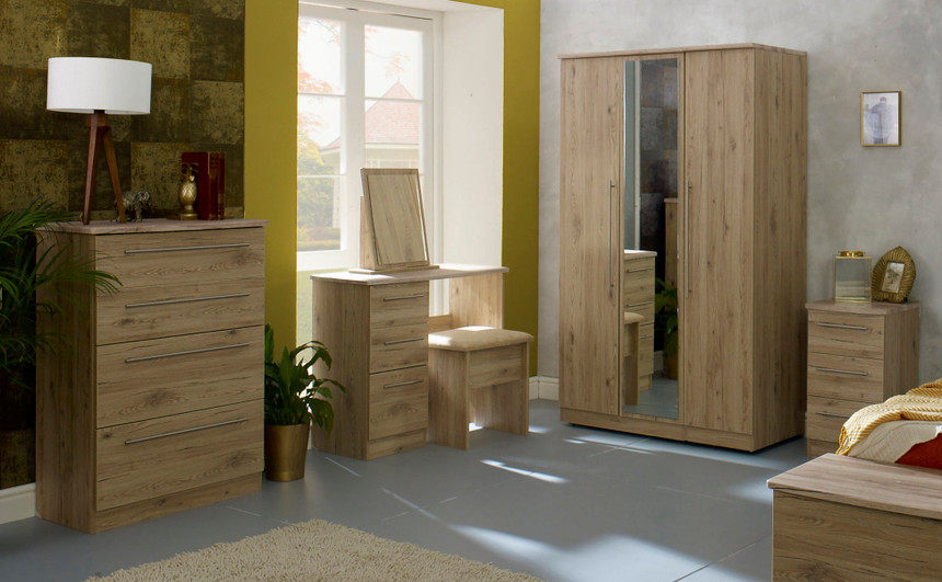 Harrow 3 Door Hinged Wardrobe (£599.99) SPEND £400+ SAVE £50