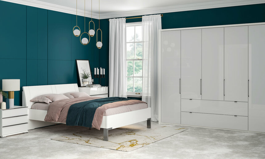 Sicily 3 Door Sliding Wardrobe + External Lights (£2,399.99)