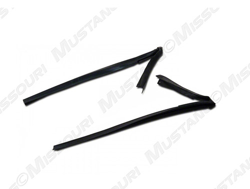 1983-1986 Ford Mustang Convertible Front of Door Window Run Seals