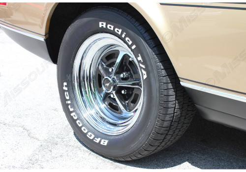 Image showing Magnum 500 installed. Tire sold separately.