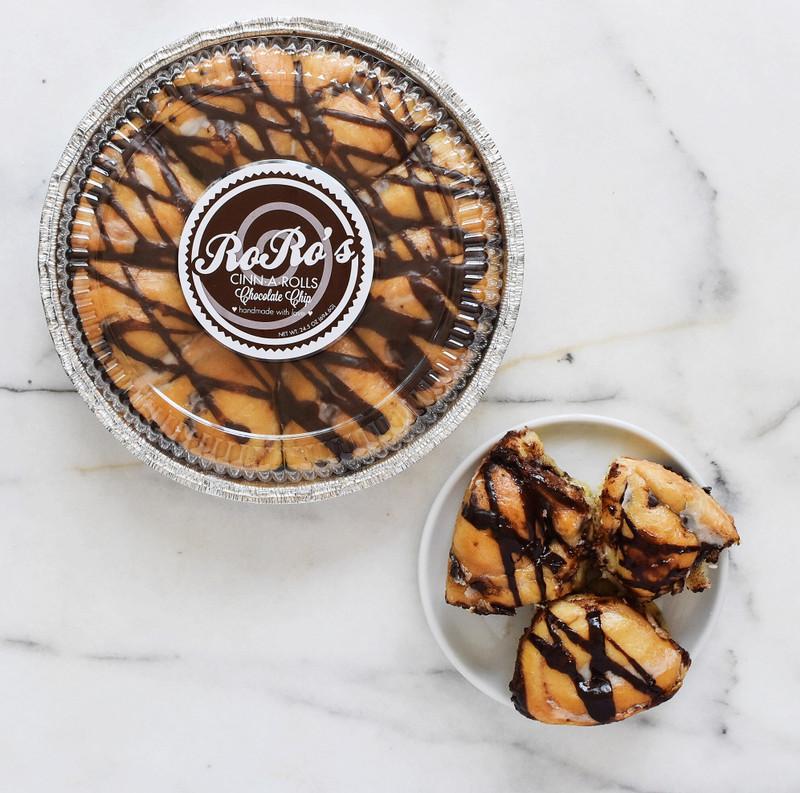 RoRo's Chocolate Chip Cinn-A-Rolls, 2 pans