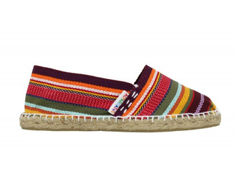 These espadrilles are handmade and hand-stitched in La Rioja (Spain)