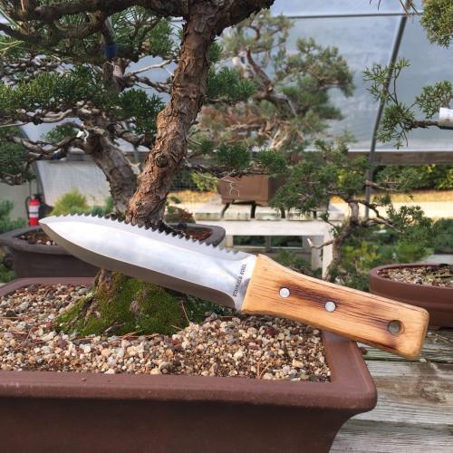 Hori Hori Knife - The All Purpose Tool