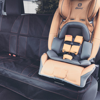 Diono Ultra Mat XXXL - Installed in the back seats of a car with a car seat [Black]