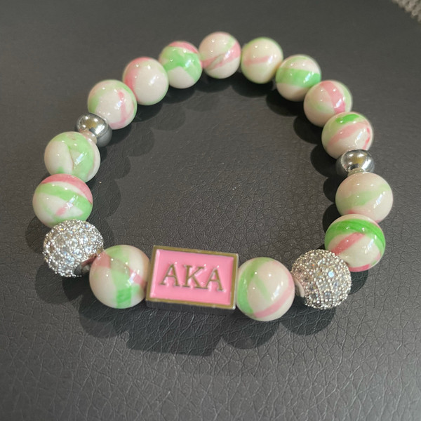 Alpha Kappa Alpha Bracelet with focal bead 3