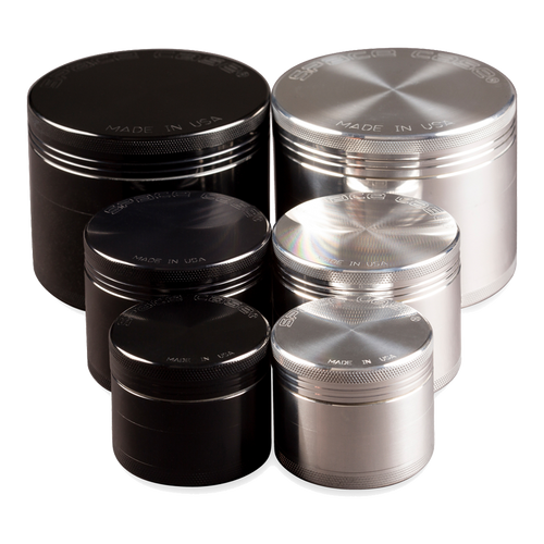 SPACE CASE 4 PIECE GRINDERS/SIFTERS