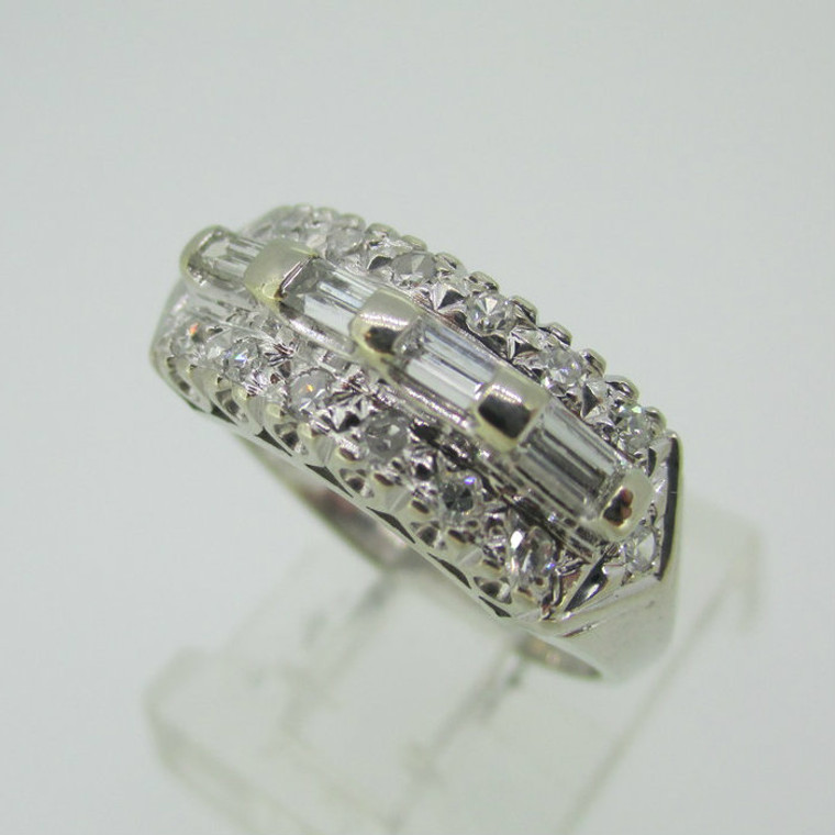 Vintage 14k White Gold Approx 1/3ct TW Diamond Band Ring Size 6 1/2