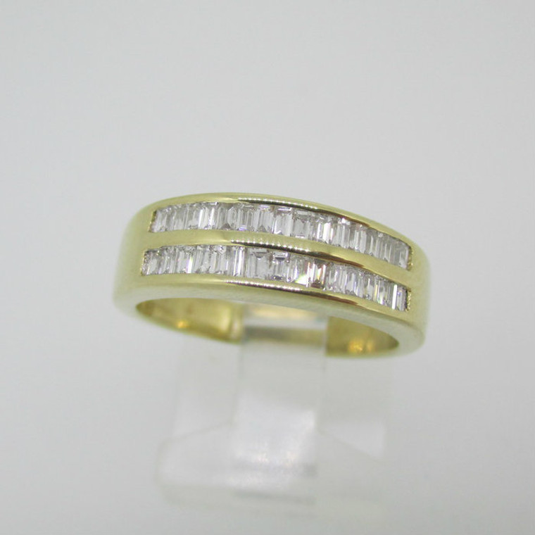 14k Yellow Gold Approx 1/3ct TW Baguette Cut Diamond Ring Size 6 1/4