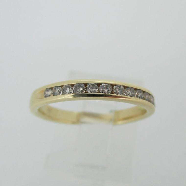 10k Yellow Gold Approx .15ct TW Round Brilliant Cut Diamond Wedding Band Size 7
