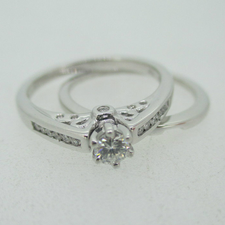 10k White Gold .15ct Round Brilliant Cut Diamond Ring with Wedding Band Size 7 1/4