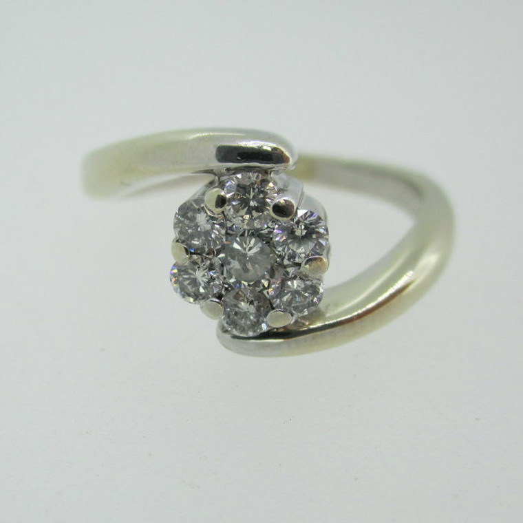 14k White Gold Approx 1/3ct TW Cluster Diamond Ring Size 6 1/4