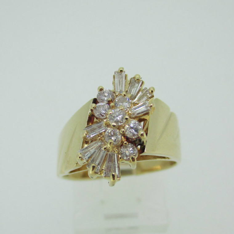 14k Yellow Gold Approx 1/3ct TW Baguette and Round Brilliant Cut Diamond Cluster Ring Size 7 3/4