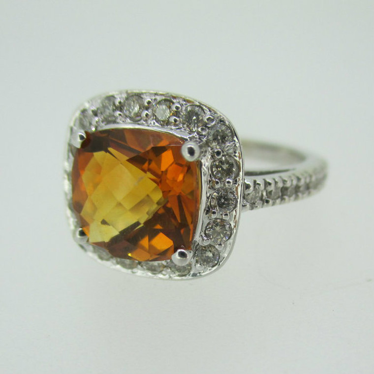14k White Gold Citrine Ring with Approx 1/3ct TW Diamond Halo Accents Size 6