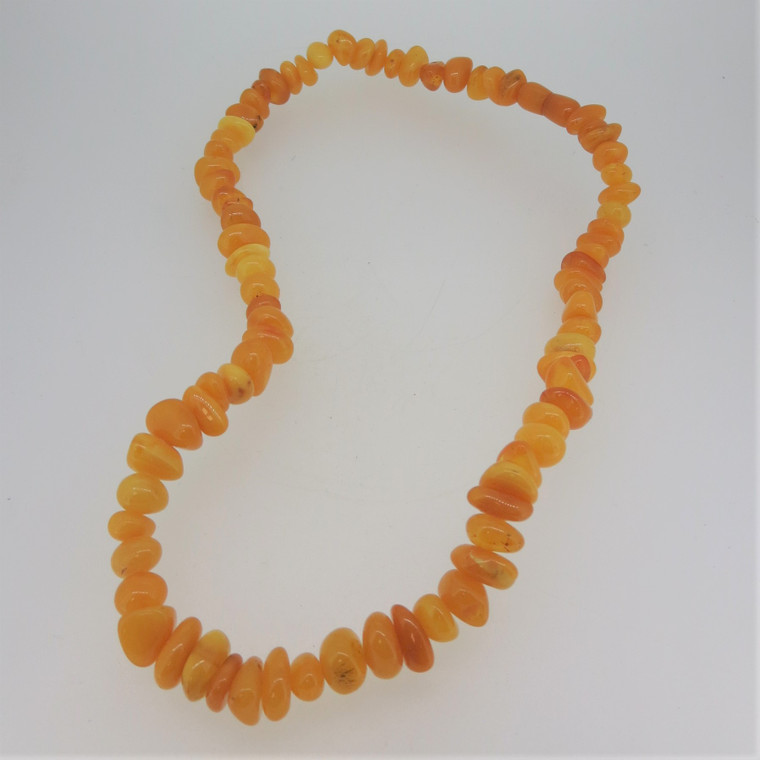 Vintage Honey Baltic Amber Beaded Necklace Screw Clasp Unsigned