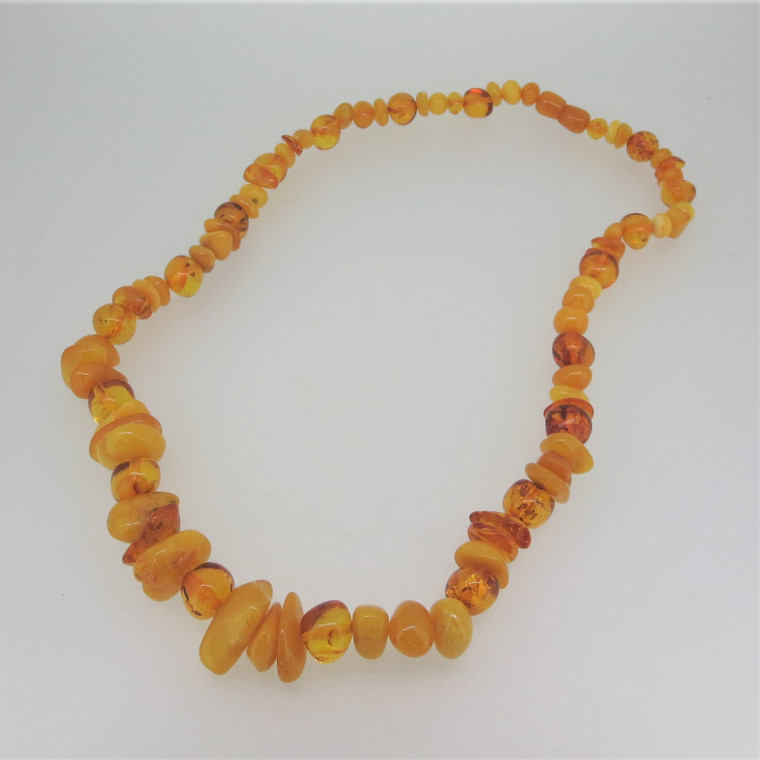 Vintage Unsigned Beaded Honey Baltic Amber Necklace with Screw Clasp