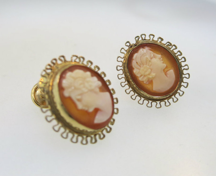 Vintage Gold Filled Conch Shell Cameo Screw On Earrings *