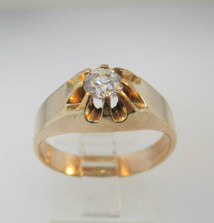 Vintage Gold Tone Costume and Cubic Zirconia Ring Size 9