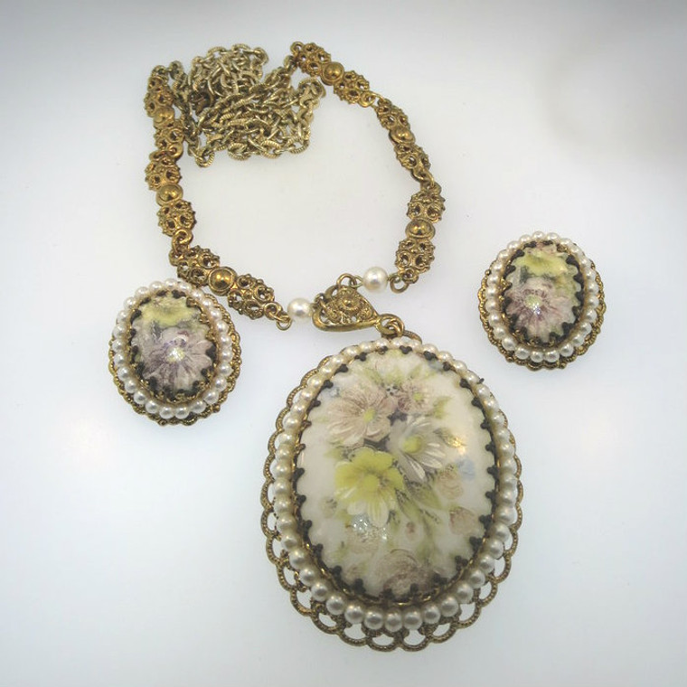 Vintage Y Gold Tone Painted Necklace & Earrings Set Unsigned Marked West Germany