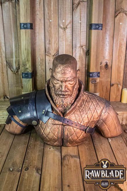 Warrior  pauldron - Black