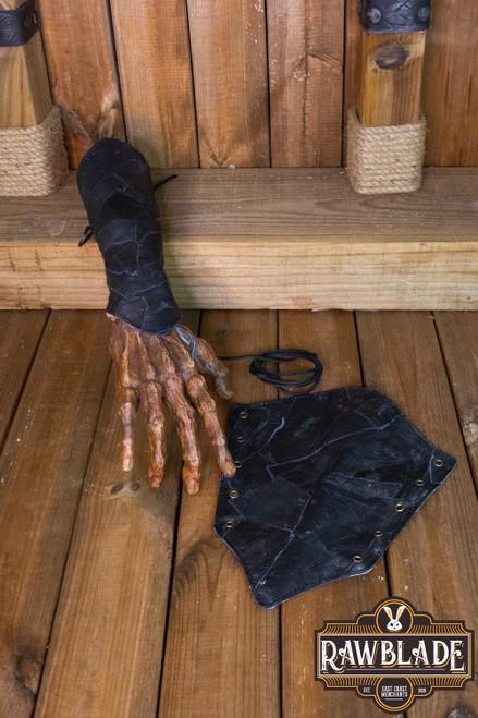 Hunter Bracers - Black