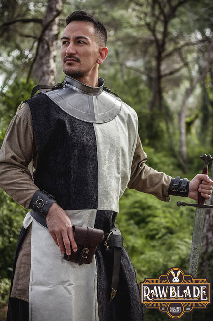 Lawrence knight tabard Chessed - White