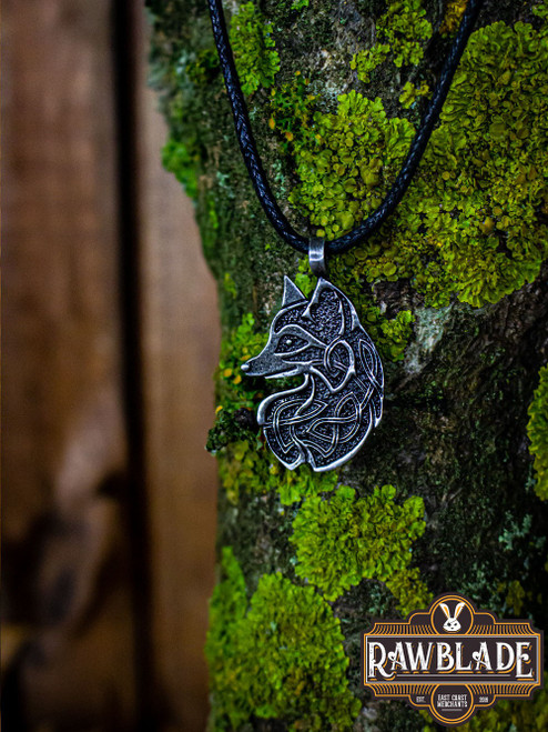 Cunning Fox Amulet - Steel