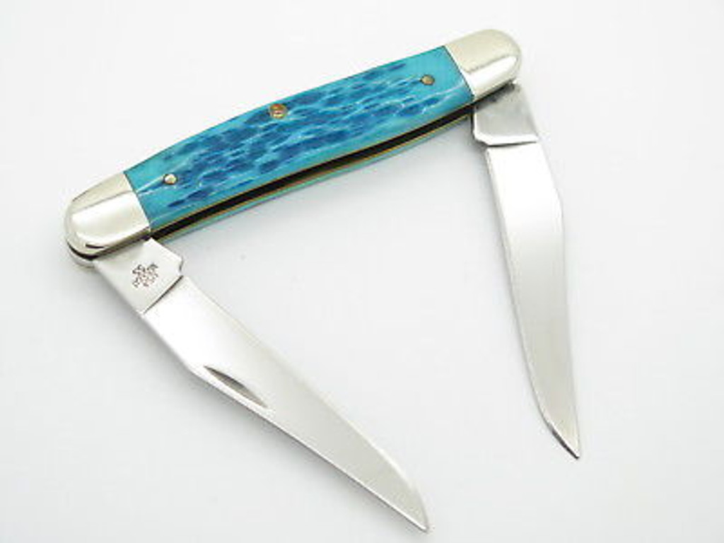 2004 CASE XX MUSKRAT FOLDING POCKET KNIFE CARIBBEAN BLUE JIGGED BONE