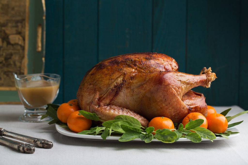 Thanksgiving  Turkey Carving Perfected with ePrague's Kitchen Cutlery Lineup