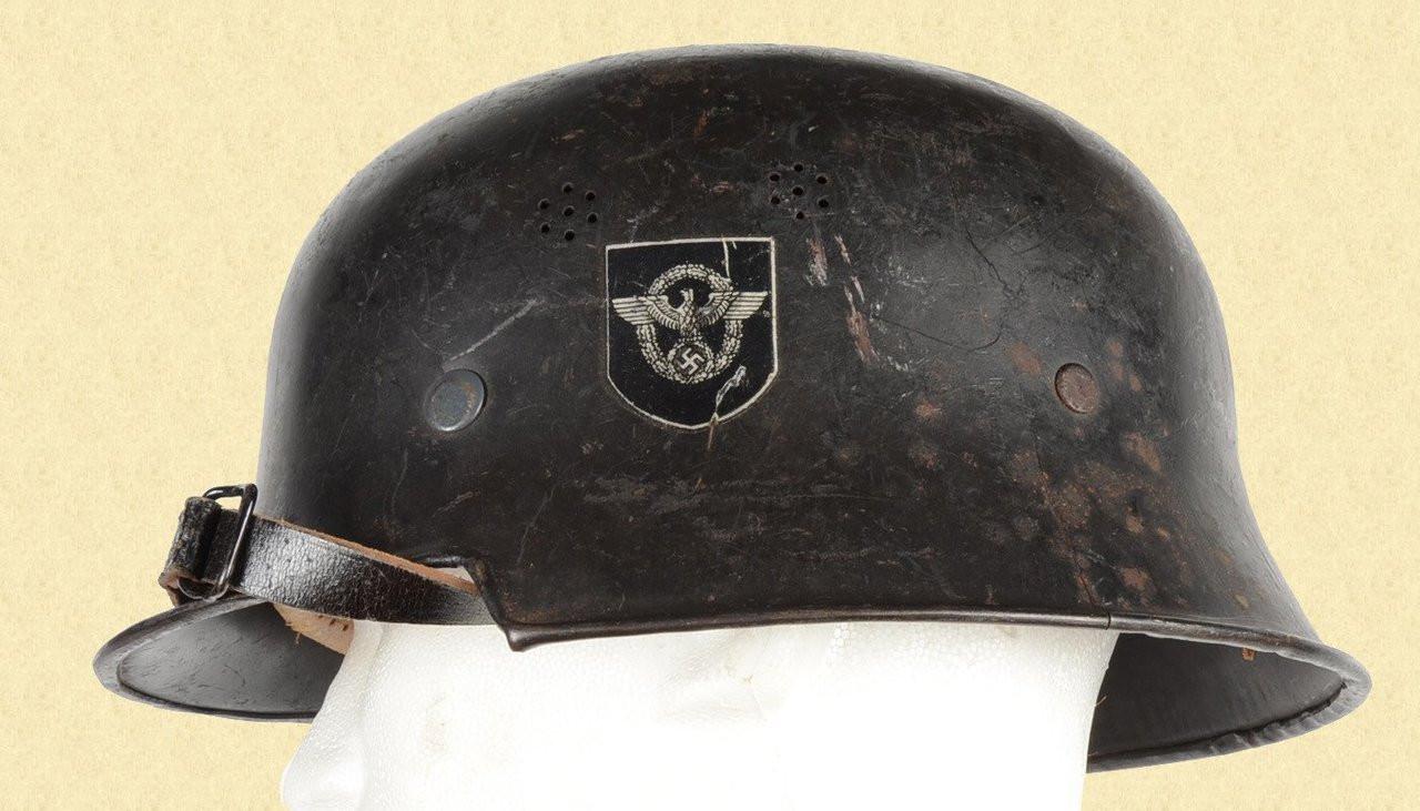 GERMAN WW2 POLICE HELMET - C16852