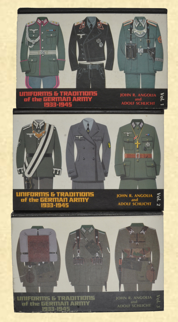 BOOK UNIFORMS & TRADITIONS OF THE GERMAN ARMY - C42725