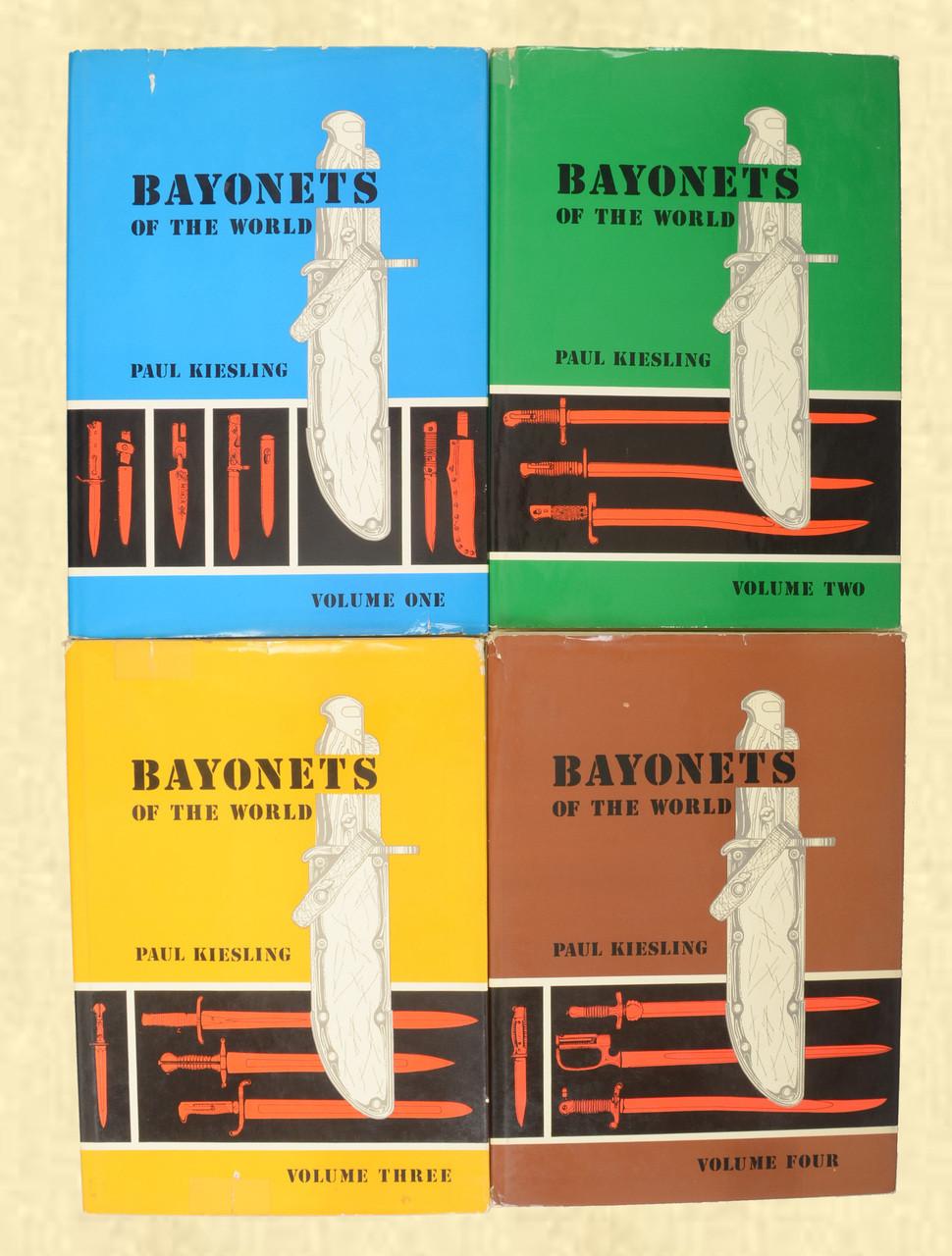BOOKS SET BAYONETS OF THE WORLD - C42911