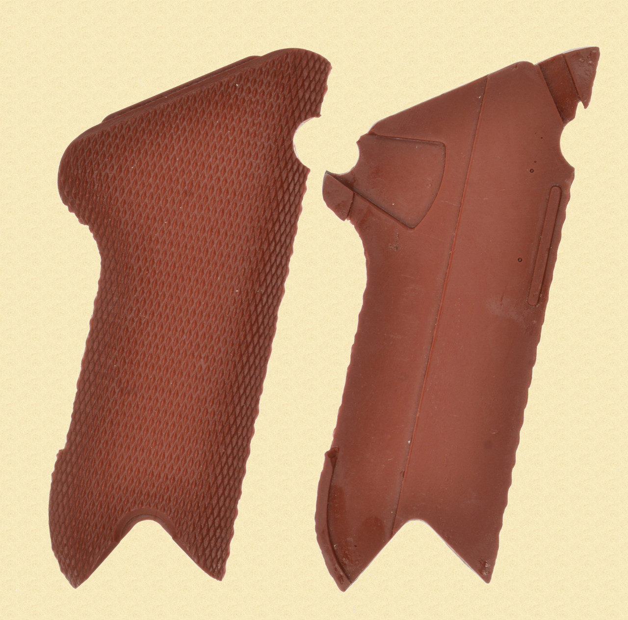 SWISS 29 LUGER RED GRIPS - C46978