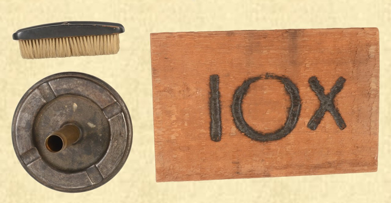 NAZI BRUSH, TRENCH ART, WOODEN IOX PLAQUE - C41679